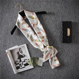 2019 перья шарф белый мульти перо рисунок с принтом прямоугольник цвета слоновой кости белые шарфы шейный шарф галстук платок глушитель шаль для женщин дешево перья шарф белый