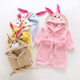 2020 kinder flanell pyjamas Baby-Kaninchen-Ohr-Bademantel Nightgowns Flanell Kinder Roben mit Kapuze einteilige Pyjamas Mädchen-Kind-Plüsch-Startseite Cosplay Nachtwäsche LJJA3706-2 rabatt kinder flanell pyjamas