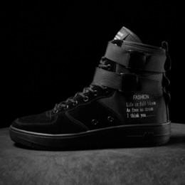 botas de hip hop para hombres Rebajas Zapatos casuales Hombres Otoño 2018 Calzado Zapatillas de deporte rojas blancas para hombres botas militares Zapatos con cordones Planos transpirables para hombres Zapatos de hip hop
