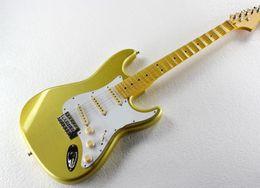 2019 guitarras festoneadas especial fábrica de la guitarra eléctrica del oro con el festoneado amarillo Cuello, blanca Pickguard, SSS Pastillas, herrajes cromados, Se puede personalizar