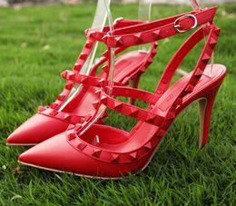 2019 baile sexy para mujeres 2017 Diseñador para mujer zapatos de tacón alto fiesta de moda remaches chicas sexy zapatos puntiagudos zapatos de baile zapatos de boda sandalias de doble correa rebajas baile sexy para mujeres