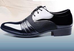 marques italiennes de chaussures pour hommes Promotion cuir verni noir italien italien chaussures marques de mariage chaussures formelles oxford pour hommes bout pointu robe chaussures sapato masculino