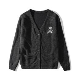 suéter largo para hombre Rebajas Mastermind Japón chaqueta de punto de los hombres de la manga larga para hombre Cardigan V-suéteres de cuello botón breasted ropa que hace punto informal