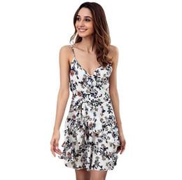 Cinturones pequeños online-Nuevo vestido con escote en V con eslinga floral sin espalda sexy con cinturón sin mangas con volantes modelos de explosión europeos y americanos para mujeres