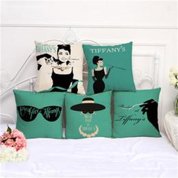Travesseiros decorados on-line-Novo estilo Audrey Hepburn Impressão fronha de algodão e linho fronha Sofá Almofada Coffee House Decore fronha 6mya H1