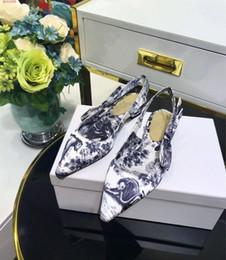 scarpe sandali sexy dei piedi Sconti Moda donna sandali 2019 nuova estate Rosso fuori indossando sandali Baotou calico Comodo piede Sexy scarpe a punta singola