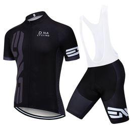 equipo de la bici del camino Rebajas 2019 Pro UCI Team Men DNA Cycling Jersey Set MTB Ropa de bicicleta Verano de secado rápido Road Bike Jersey Ciclismo Ropa deportiva Ropa Ciclismo Y022101