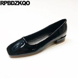 Appartamenti balerina in pelle nera online-scarpe classiche da donna scarpe a punta quadrate cina designer appartamenti ballerina donna blu balletto nero lavoro giallo vernice cinese