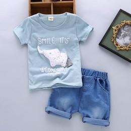 aee905602 Buena calidad de verano para bebés ropa para niños conjuntos niños niños  camisetas de dibujos animados + pantalones cortos trajes trajes de bebés  varones ...