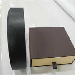 Argentina Para hombre para mujer Cinturones de diseño Cinturones de cuero de negocios Color puro Cinturón de serpiente Big Gold Buckle Belt Regalo de envío con caja 561456 Suministro