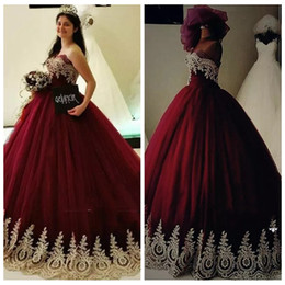2019 Sweetheart Burgundy Sweet 16 Quinceanera Dresses Puffy Ball Gown Gold Lace Appliques Beaded Vestidos De 15 Anos Long Prom Party Gowns