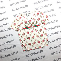 2019 loja das camisas da forma t Festa de compras da marca de moda tees mulheres T-shirt flor rosa carta impressão em torno do pescoço doce estilo de alta qualidade de algodão selvagem tshirts topos loja das camisas da forma t barato