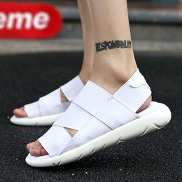 2019 nouveau design sandales décontractées Hommes Sandales 2019 Britannique Nouvelle Toile Casual Chaussures Hommes Chaussons à Double Usage de Personality Design Hommes Chaussures De Plage Antidérapantes promotion nouveau design sandales décontractées