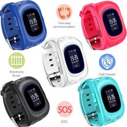 i bambini guardano il telefono Sconti 2018 Anti perso Q50 OLED GPS Tracker SOS Smart Monitoraggio Posizionamento Phone Bambini GPS Baby Watch compatibile IOS Android