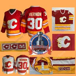 2019 pièces de marine Mike Vernon Chandail 1989 Stanley Patch Hockey Hockey sur glace Calgary Flames Jerseys CCM Vintage White Navy Domicile pièces de marine pas cher