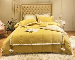 2019 cama de tamanho king amarelo Luxo egípcio casamento de algodão meninas amarelo Bedding Set Rei Queen Size 4pcs conjunto edredon cobrir Lace fronhas / cama / cama de tamanho king amarelo barato