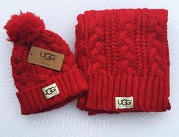 Gli scaldini del cappello del progettista degli uomini e delle donne di nuova alta qualità caldi scaldano la sciarpa di marca di marca superiore europea calda Accessori di moda 06 da