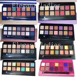 Paleta de sombra preta on-line-Em estoque Maquiagem Rosa Preto Verde Roxo Amarelo Matt Eyeshadow Palette 8 estilos Eyeshadow Palette Epacket