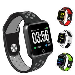 Relojes inteligentes S226 reloj IP67 a prueba de agua 30 metros a prueba de agua 15 días de espera Frecuencia cardíaca Presión arterial Smartwatch desde fabricantes