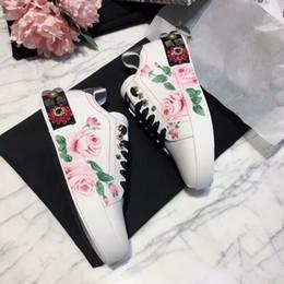 Pizzo di moda online-Nuovi arrivi Loveres Scarpe casual Classic Fashion Show Style da uomo Womens Comfort Platform Leather Sneakers Running Lace Up Sports hc18040701