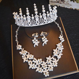 crystal crown pearl necklace Promo Codes - Pearls Crystal Retro Bridal Wedding Crown Necklace Earring Sets Quinceanera Party Jewelry Formal Events Bridal Jewelry Sets Silver