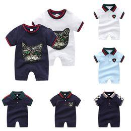 cucendo vestiti Sconti Baby Boy Plaid Pagliaccetto 23 Design Plaid Cuciture A strisce Neonato Pagliaccetto Per bambini Abiti firmati Ragazzo Cotone Abbigliamento casual 3-24M 06