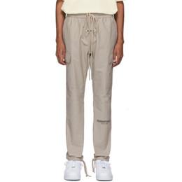 cravate étiquettes en gros Promotion 19FW Fear Off Dieu FFOG ESSENTIEL Cargo Couple de Pantalons Femmes et Hommes Designer Pantalons Mode S-XL HFXHKZ009