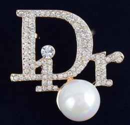 Canada marque concepteur rétro lettre broche rétro luxe marque broche costume insigne aiguille bijoux accessoires Offre