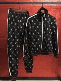 Slim preto cardigan preto on-line-NOVA Marca Designer Homens Treino Esporte Terno Preto Barato Dos Homens Camisola E Calças Terno De Alta Qualidade Algodão Manga Longa Cardigan Esporte Ternos