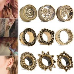 латунный калибр Скидка 1Pair Vintage Antique Brass Ear Flesh Tunnel Shellhard Hollow Flower Double Flare Ear Plug Gauge Piercing Body Jewelry