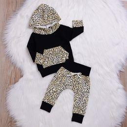 Chándal de leopardo bebé online-Autumn Toddler Infant Baby Boys Girls Leopard Sudadera con capucha de manga larga Tops Pantalones Conjuntos Conjunto Traje de invierno chándal para niños