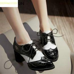 chaussures de carrière pour femmes Promotion Mode Femmes En Cuir Verni Mary Janes Chaussures À Lacets Carrière Talons Hauts Soirée Pompes Casual Chaussures De Bureau