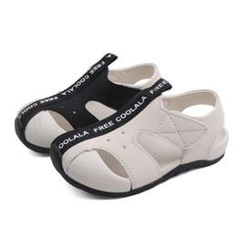 Envelopper les chaussures de bébé en Ligne-Nouveau Sandales pour garçons Chaussures pour bébés nouveau-nés Semelles souples Semelles à la mode et têtes souples été 2 modèles