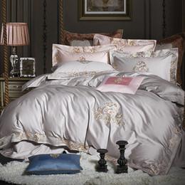 Conjunto de edredón blanco verde online-100% algodón egipcio Juego de cama de lujo Royal White Grey Green Blue Queen King size Bordado Edredón / Funda nórdica Juego de sábanas