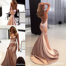 2021 einfache prom kleid nackt Sexy Nude Mermaid Evening Prom Dresses 2019 Spaghetti Backless Sweep Zug Backless Einfache Fleck Anlass Roter Teppich Prom Kleider Billig