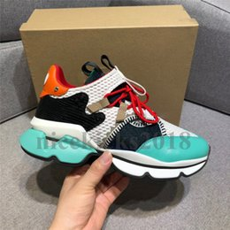 Kutu ile Womens Erkek Casual Ayakkabı Lüks Tasarımcı Spike Kırmızı Alt Sneaker Mesh Patchwork Mat Deri Shoes Erkekler Eğitmenler Espadrilles nereden