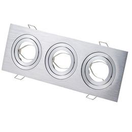 Luz da grelha do tecto on-line-Três cabeças de grade luminária de teto quadrado downlight copos para GU10 / MR16 GU5.3 lâmpadas spot Halogênio MR11 titular alumínio prata