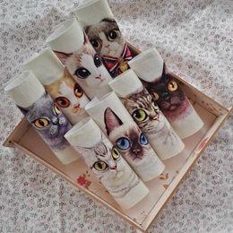 2019 tela bordada de terciopelo rojo 12 * 12 cm 8 unids gato lindo tela para diy bolso de costura textiles para el hogar tela de algodón de dibujos animados decora quiltting patchwork D30
