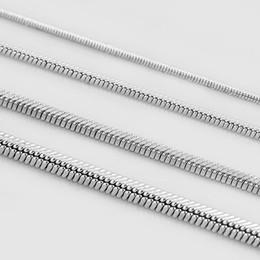 cadena cerrada de strass Rebajas 0.9mm / 1.2mm / 1.5mm / 2.0mm 316L Collar Colgante de Acero Inoxidable Serpiente Cadena Hombre Mujer Moda Accesorios de Fiesta Joyería Para