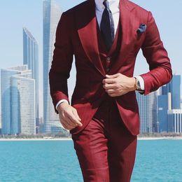 pantaloni plaid rossi più il formato Sconti 2019 Lastest Red Wedding Tuxedos Groom Abiti Custom Made Groomsmen Best Man Slim Fit Abiti da festa (Jacket + Pants) Taglie forti