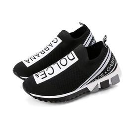 19SS Kadın Erkek Des Çorap Ayakkabı Kız Lüks Eğitmenler yarışı Koşucular Siyah Beyaz SneakersDolce GabbanaDolceGabbanaDG G12 nereden brogue oxford elbise ayakkabıları tedarikçiler