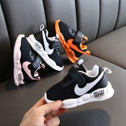 1.5 zapatos casuales de niños online-Superstar niños zapatos Diseño primeros caminante del niño de las zapatillas de deporte para niños pequeños transpirables USA Zapatos Casual Hombres Mujeres