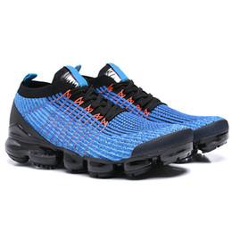 huge discount 1b232 80d5c 2018 Cushion Nike Air Vapormax Flyknit 3.0 Running Shoes Uomo Donna Classic  Triple Black White Scarpe da ginnastica Sport Running 3 Designer Walking  Shoes ...