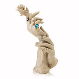 Argentina Novedad Resina Anillo de Molde de Mano Exhibición Manequin Joyería Titular de la Pulsera Soporte de Exhibición Rack Collar Mostrando Estante Vitrina Apoyos cheap resin bracelet mold Suministro
