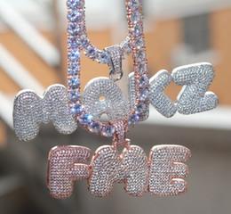 Iniziali di diamanti online-Designer Iced Out CZ Cubic Zirconia Gold Hip Hop Nome personalizzato Combinazione Bubble Letter Pendente a catena Collana Full Diamond Gioielli iniziali