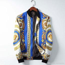 азиатские мужские зимние пальто Скидка Mens конструктора пальто с капюшоном Осень Зима ветровка пальто вниз Толстого Luxury Hoodie Outwear Luminous куртка азиатского размера Мужской одежда