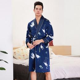 Argentina 2019 Nuevo Mens Spring Kimono Robe Batas de baño Ropa de hogar Casual Sedoso Ropa de dormir para dormir Ropa de dormir Camisas de dormir Pijama Mujer L-XXL cheap xl mens kimonos Suministro