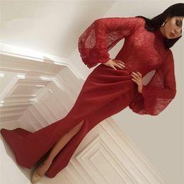 Vestidos de vestidos de baile de renda vermelha on-line-Vermelho Muçulmano Vestidos de Noite 2020 Sereia Mangas Compridas Lace Alta Fenda Alta Neck Islâmico Dubai Kaftan Arábia Saudita Árabe Longo Vestido de Baile