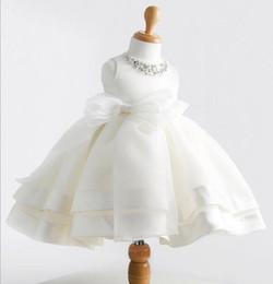 2019 robes de baptême en soie Mois Bébé Fille 1er Fête D'anniversaire Robe Princesse Tutu Enfant Enfants Moelleux Soie Baptême Robe De Mariée Style Coréen Infant Fille Vêtements robes de baptême en soie pas cher