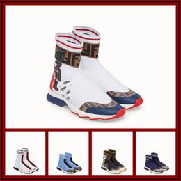 Botas casuales Lana de punto Marca de lujo Bottos gruesos Calcetín como botas Zapatos de pareja Resbalón en el ocio Pisos Botas para hombres y mujeres desde fabricantes